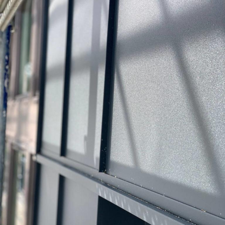Pulverbeschichtete Fassadenverkleidung
